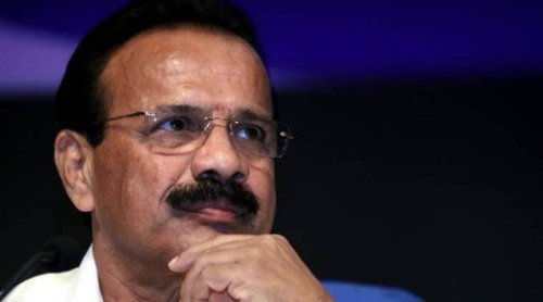 'Should we hang ourselves if Covid vaccines not manufactured': Union Minister Sadananda Gowda