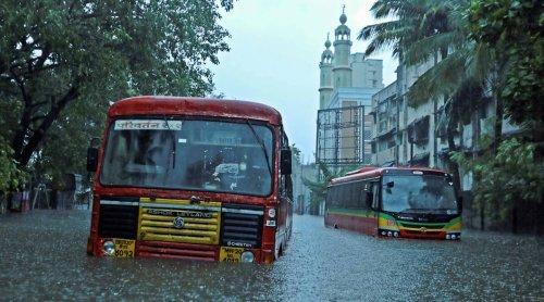 Cyclone Tauktae batters Mumbai, airport closed for operations till 6 pm