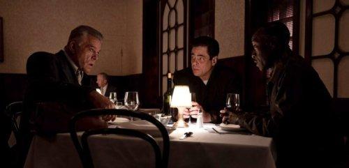 'No Sudden Move' Review: Don Cheadle and Benicio Del Toro Have a Blast in Soderbergh's Lighthearted Caper