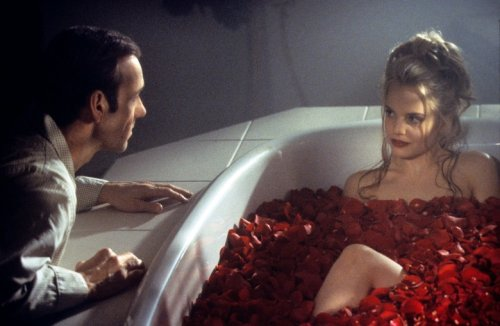 Mena Suvari Recalls 'Weird and Unusual' Encounter with Kevin Spacey During 'American Beauty'