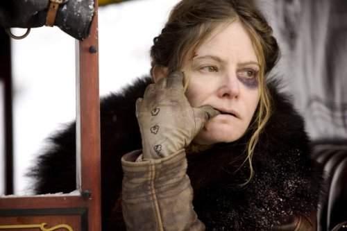 Jennifer Jason Leigh Reuniting with Quentin Tarantino to Narrate 'Once Upon a Time in Hollywood' Audiobook