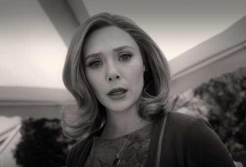 Elizabeth Olsen 'Was So Frustrated' Watching Her Performance in 'WandaVision' Pilot