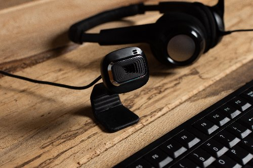 8 Best Webcams to Buy for Zoom Meetings, and Live Streaming