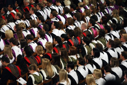 Universities to give 'low' confidence students extra support to make friends this term