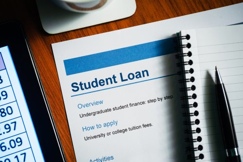 How the student loan repayment threshold could change in the 2021 Budget