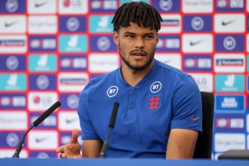 Mings issues defiant response to Priti Patel over England players taking the knee