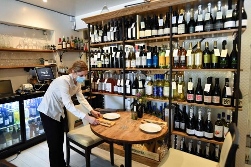 Wine lovers avoid higher costs after Government abandons post-Brexit red tape on imports