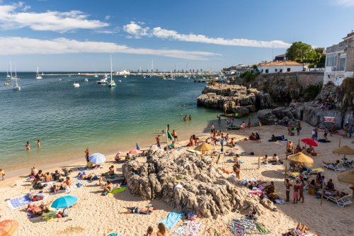 Portugal 'delighted' to welcome Brits but warns 'masks must be worn at all times apart from at the beach'