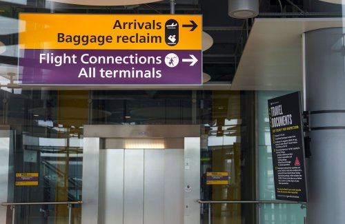 Up to 1,000 people flying into UK from India daily despite concern over Covid variant