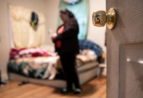 People in overcrowded housing should have been given hotel rooms to isolate in