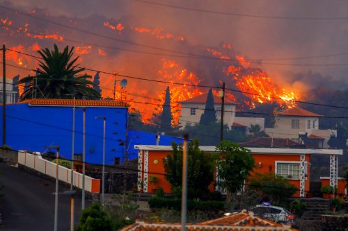 Travel advice for the Canary Islands explained after volcano erupts on La Palma