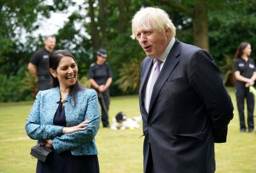Boris Johnson calls for chain gangs to deter antisocial behaviour as he battles police over crime plans