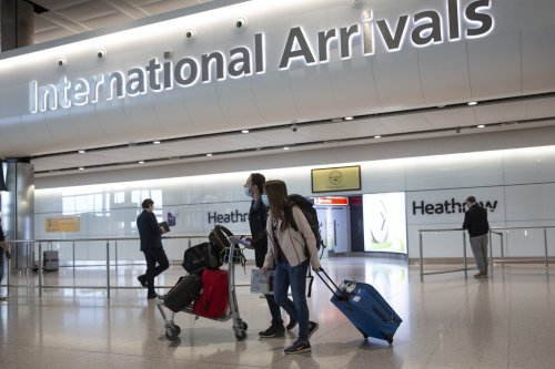 Ministers eye plans for 'quarantine hotels' to prevent arrivals bringing new Covid strains into UK