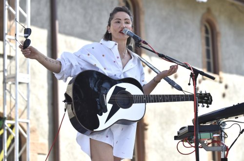 KT Tunstall cancels summer shows over fears she could go deaf