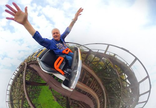 Man enjoys 6000th ride on roller coaster he has been riding for 25 years