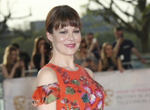 Helen McCrory 'swore her friends to secrecy' about cancer diagnosis