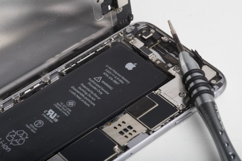 Future smartphone batteries could charge within five minutes, study suggests