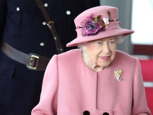 Queen in 'good spirits' after hospital stay but concerns raised about 'secrecy' over her health