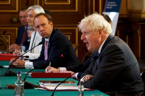 Tory MPs urge Boris Johnson to reshuffle underperforming ministers next week