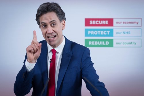 Labour pledges £3bn investment in 'green steel' revolution for UK manufacturers