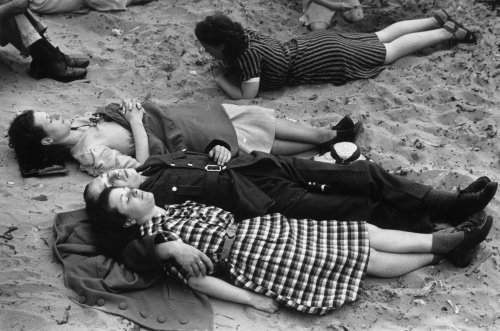 The Government tried to stop holidays in WWII, but Brits couldn't be deterred from jollies