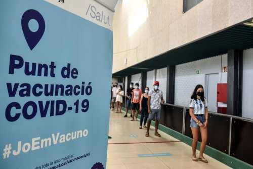 How Spain overtook the UK in Covid vaccine rollout - and what we can learn from its approach