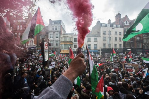 Tens of thousands join London protest against violence in Gaza
