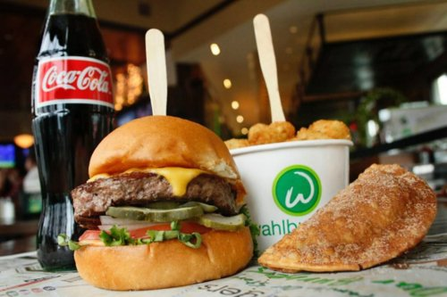 Mark Wahlberg to bring Wahlburgers to Australia & New Zealand