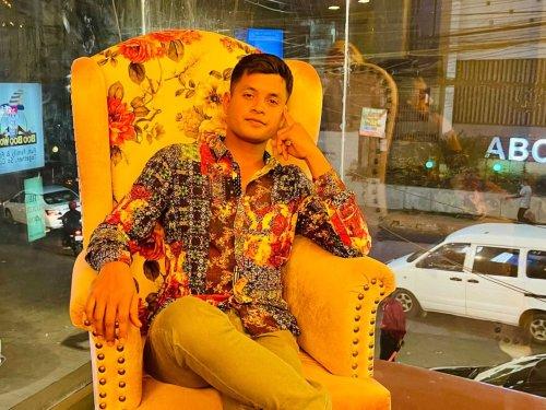 A Successful Bangladeshi Musical Artist and Entrepreneur Ajminur Oarish – Bio, Age, Girlfriend, Family, Career, Songs