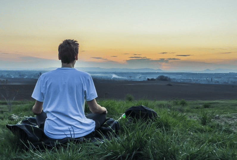 5 easy hacks to relax the mind that aren't meditation