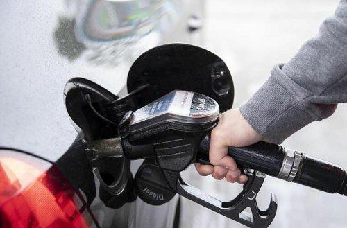 Spritpreise steigen seit Monaten an: 3 Gründe, warum Benzin und Diesel immer teurer werden