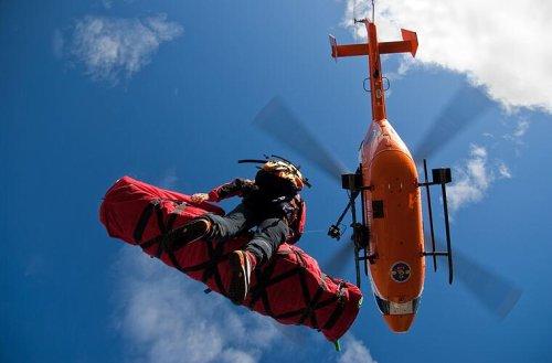 Wanderunfall im Nürnberger Land: Frau (53) stürzt 20 Meter in die Tiefe - Rettungshubschrauber im Einsatz
