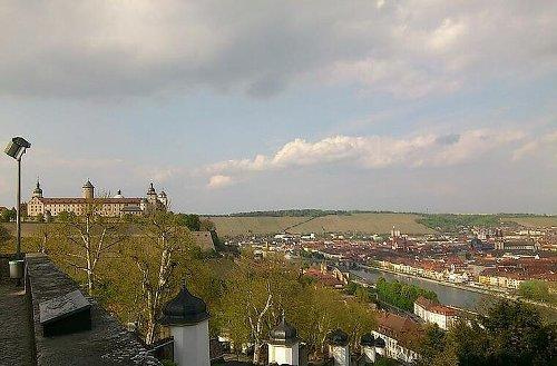 Corona Würzburg: Inzidenzen sinken - Test-Stelle ist umgezogen