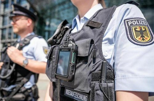 Nürnberg: Demo der linken Szene eskaliert - Polizei setzt Schlagstock und Pfefferspray ein