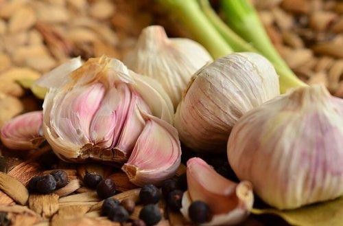 """Risiko von Herzinfarkt durch Ernährung senken: Welche Lebensmittel deine Arterien """"reinigen"""""""