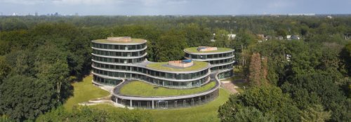 """This BREEAM office is a reconstructable wooden """"cathedral"""" to nature"""