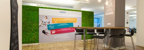 French offices receive a green update with Benetti MOSS walls