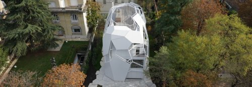 Experimental, ecological home is inspired by a tree in France