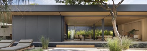 This eco-friendly prefab home was built in just 28 days