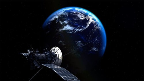Gateway Earth Development Group proposes plans for a space station to recycle space junk by 2050