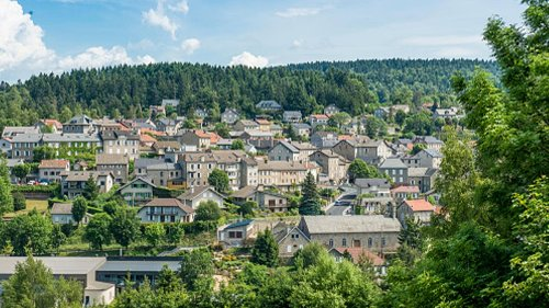 Austrian Man Gives $2.5 Million to French Village for Hiding His Family From Nazis