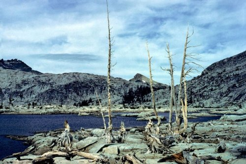"""Five Hike-In California Lakes Perfect for """"Wild Swimming"""""""