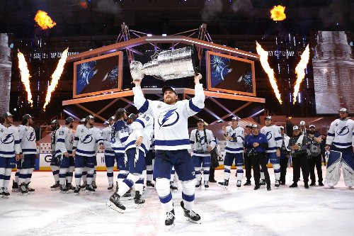 Tampa Bay Lightning Offering Airbnb Sleepover With Stanley Cup