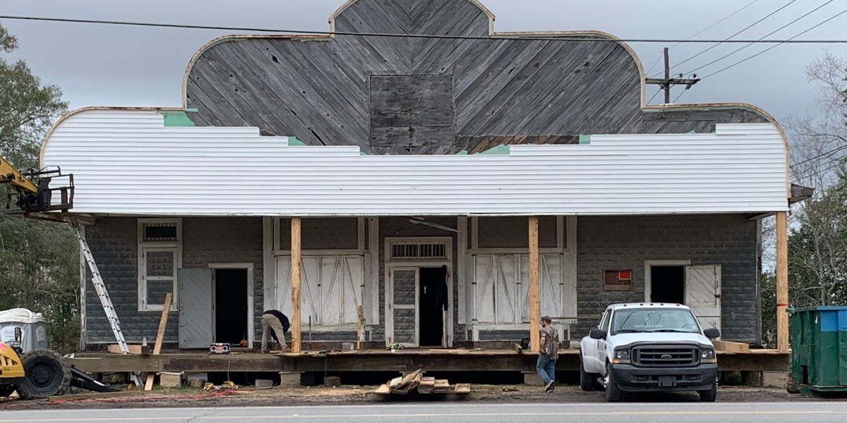 A Louisiana couple bought an 80-year-old general store for $55,000 and turned it into their dream home. Here's how they did it — and what it looks like now.