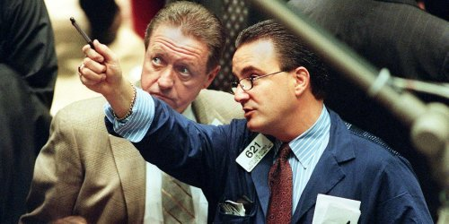 Wall Street legend Richard Dennis conducted an intellectual experiment that turned 23 novice investors into overnight millionaires. Here are the 6 trading rules and philosophies that his 'turtle traders' live by.