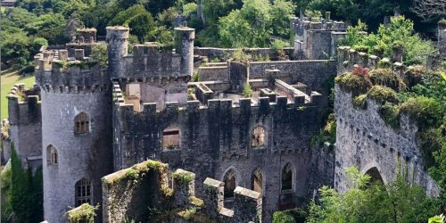 16 eerie photos of the abandoned, 200-year-old Gwrych Castle in North Wales, which is said to be haunted