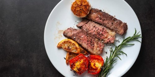 3 different ways to reheat steak for the juiciest results