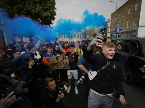 Chelsea fans celebrate the impending death of the European Super League like they won another championship