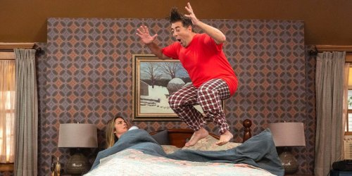 'Kevin Can F**K Himself' takes a knife to the central problem of misogyny in classic American sitcoms
