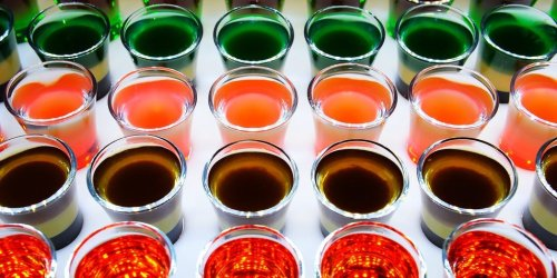 Here's a simple and easy recipe to make jello shots with any spirit